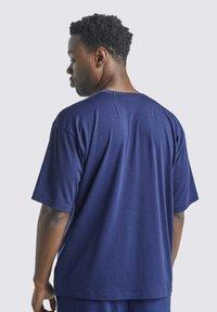 Icebreaker - T-shirt basic - royal navy - 2