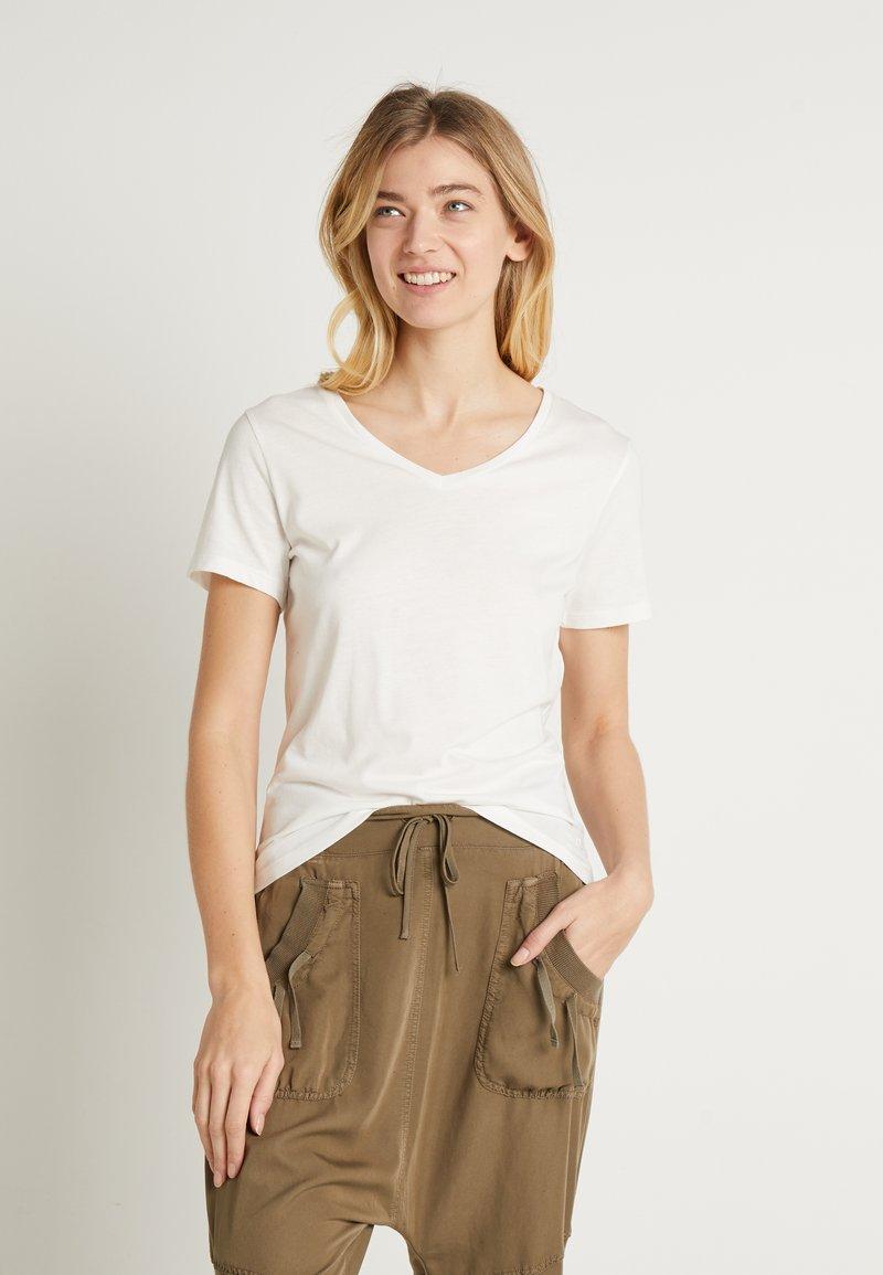 Cream - NAIA - T-shirts - off-white