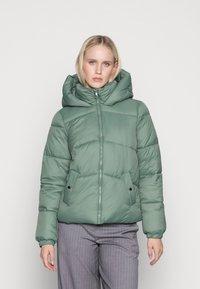 Vero Moda - VMUPSALA SHORT JACKET  - Winter jacket - laurel wreath - 0