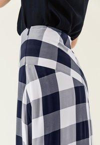 IVY & OAK - Maxi skirt - navy blue - 5