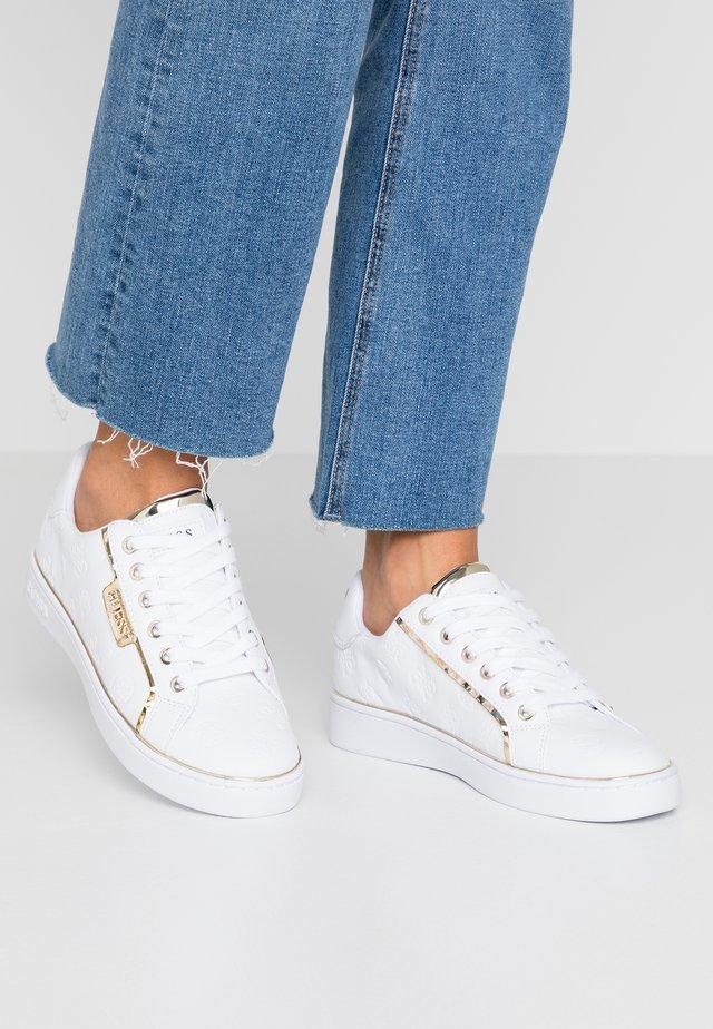 BANQ - Baskets basses - white