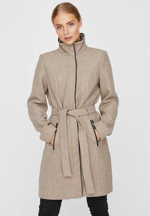Krótki płaszcz - sepia tint