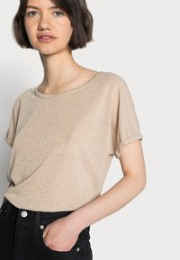 Mos Mosh - KAY TEE - Basic T-shirt - gold - 4
