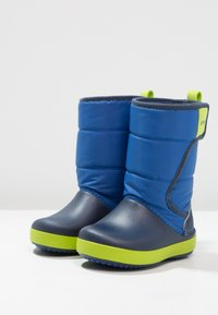 Crocs - LODGEPOINT BOOT RELAXED FIT - Boots - blue jean/navy - 2