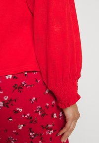 Lost Ink Plus - NECK BUTTON FRONT BLOUSE - Blůza - red - 4