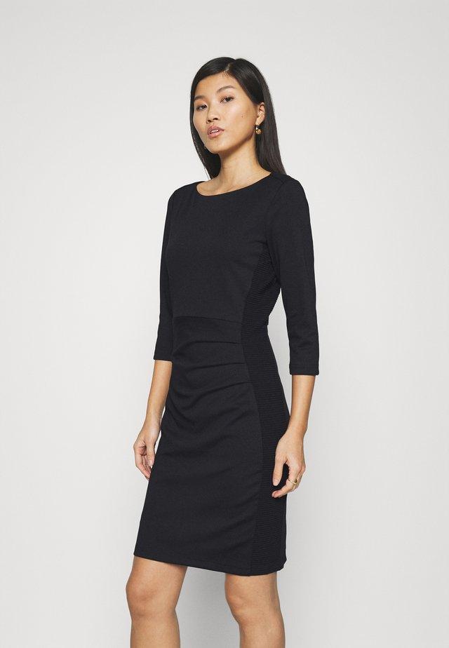 SARA DRESS - Etui-jurk - black deep