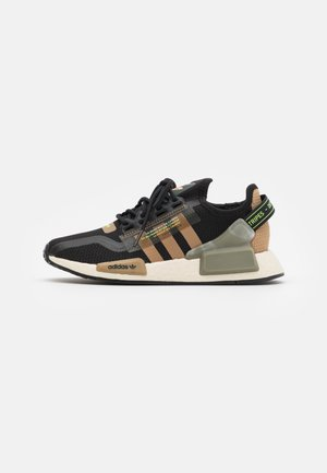 NMD_R1.V2 BOOST UNISEX - Baskets basses - core black/cardboard