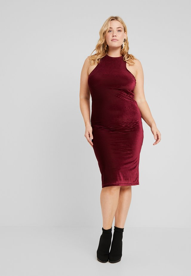 BODYCON DRESS - Shift dress - burgundy