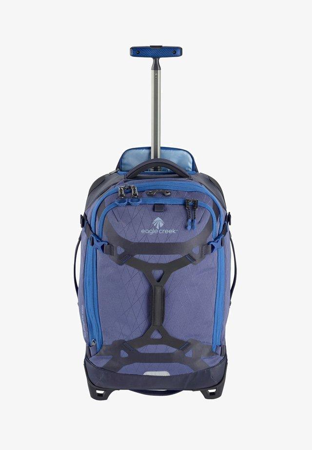 GEAR WARRIOR  - Wheeled suitcase - artic blue