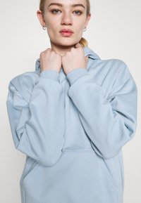Weekday - ALISA HOODIE - Luvtröja - blue - 3