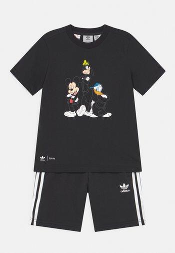 DISNEY CHARACTER SET UNISEX - Print T-shirt - black
