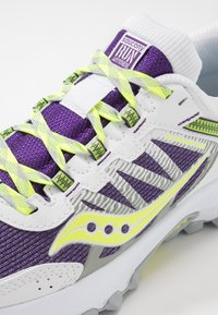 Saucony - EXCURSION TR13 - Zapatillas - purple/citron - 5