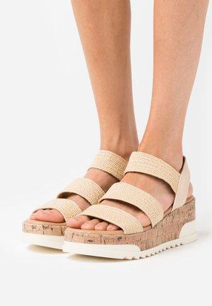 BRENNA - Sandály na platformě - beige
