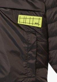 Molo - HAKAN - Winter jacket - brown darkness - 3