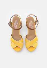 TOM TAILOR - Sandály na platformě - yellow - 5