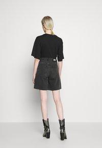 Dr.Denim - MEJA - Shorts di jeans - retro black - 2