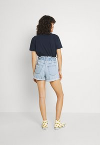 Gina Tricot - PAPERBAG - Jeans Shorts - pale blue - 2