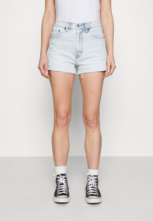 HIGH RISE MOM - Shorts di jeans - light destroy