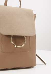 Pieces - PCEMMA BACKPACK - Rucksack - toasted coconut - 2