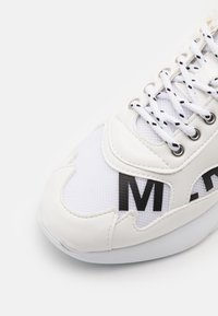 Mercer Amsterdam - W3RD - Trainers - white - 5