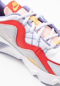 Nike Sportswear - NIKE RYZ 365 RF - Trainers - white/washed coral/track red/topaz gold/football grey/light thistle - 2
