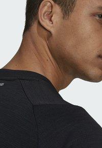 adidas Performance - FREELIFT TEE - Funkční triko - black/white - 6