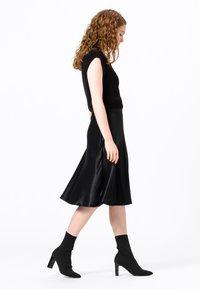HALLHUBER - A-line skirt - schwarz - 2