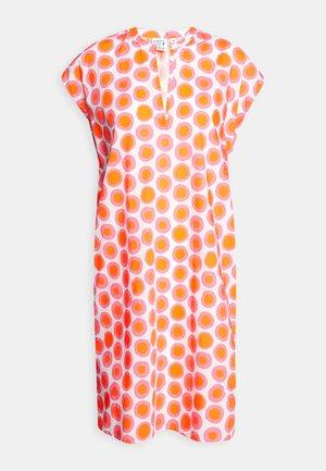 DRESS - Hverdagskjoler - white/pink