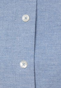 Tommy Hilfiger - RECYCLED OXFORD REG - Button-down blouse - daybreak blue - 2