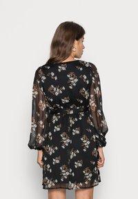 Vero Moda Petite - VMFRAYA V NECK DRESS - Day dress - black - 2