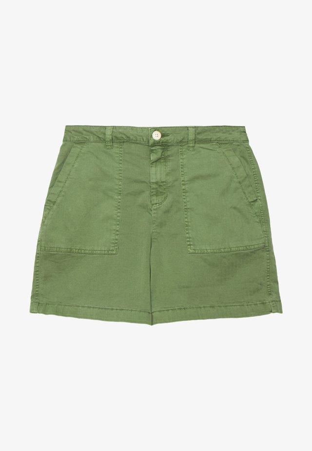 CHINOCARGO BERMUDA - Shorts - dull moss green