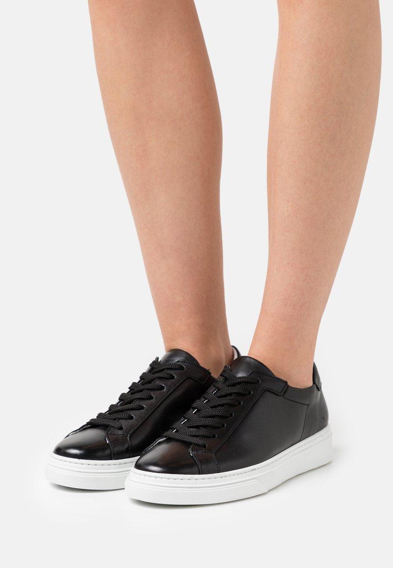YAS - YASSIDELLA - Sneakers laag - black
