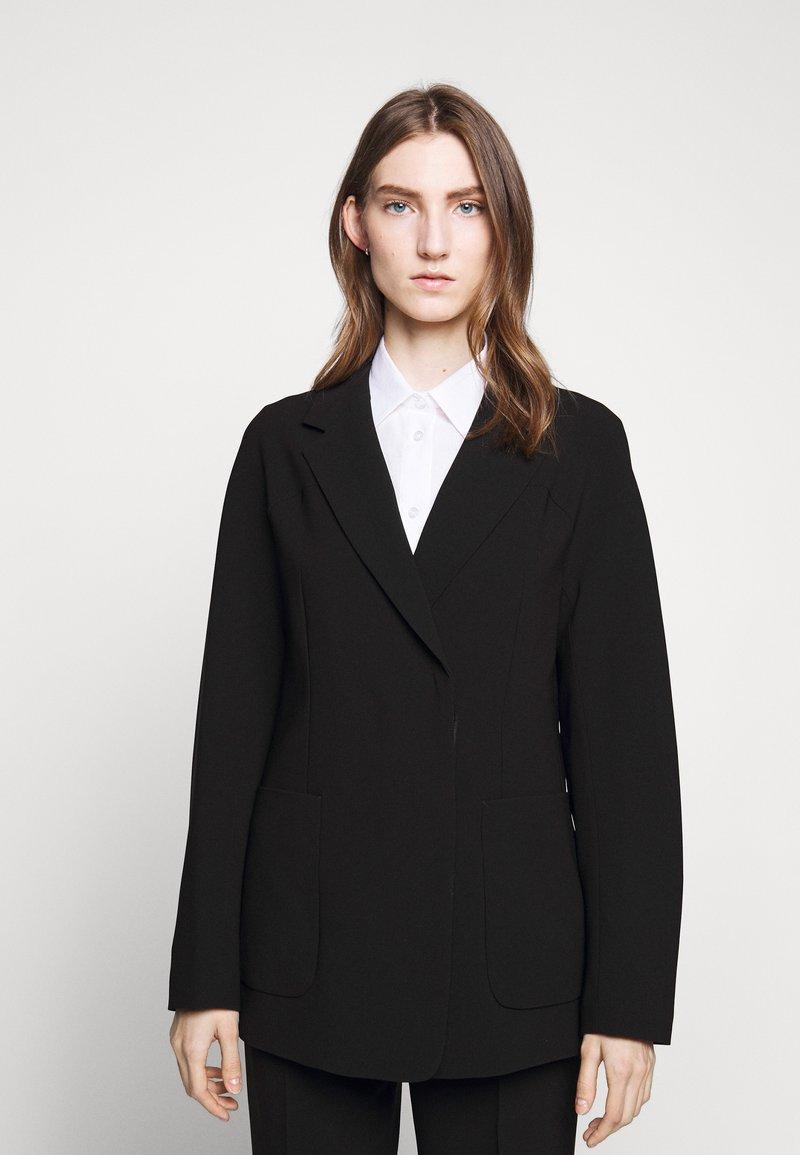 Filippa K - AIDA - Krátký kabát - black
