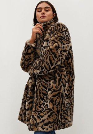 OSO7 - Winter coat - beige