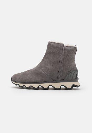 KINETIC SHORT - Winter boots - grey