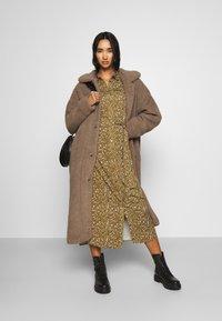 Minimum - IVORI - Classic coat - sepia tint - 1