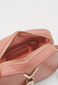 Valentino Bags - DIVINA - Across body bag - rosa antico - 2