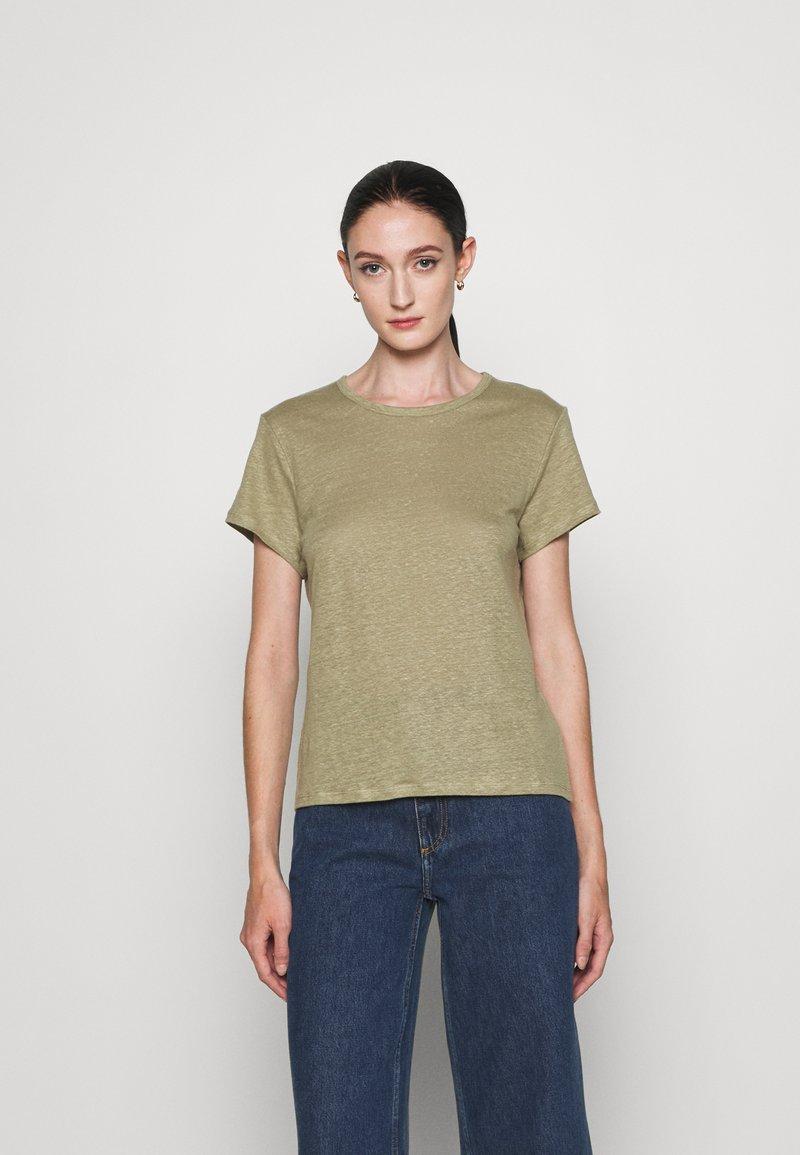 Filippa K - HAZEL TEE - Jednoduché triko - sage green