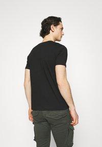Gianni Lupo - T-shirt imprimé - black - 2