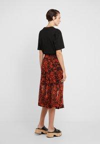 McQ Alexander McQueen - SEAMED GODET SKIRT - A-line skirt - darkest black/orange - 2