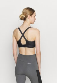 Under Armour - INFINITY MID PRINTED BRA - Medium support sports bra - black - 2