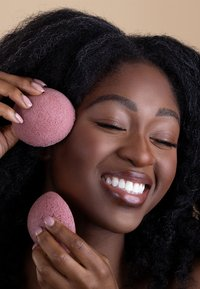 Luvia Cosmetics - KONJAC SPONGE SET RED CLAY - Skincare tool - - - 4