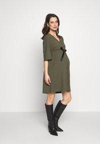 MAMALICIOUS - MLKAYA DRESS - Vestido ligero - dusty olive - 1