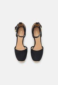 MICHAEL Michael Kors - KENDRICK WEDGE - Platform heels - black - 4