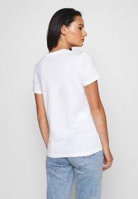 Nike Sportswear - TEE CREW - T-shirts - white/black - 2
