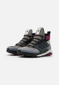 adidas Performance - adidas TERREX TRAILMAKER MID COLD.RDY WANDERSCHUHE - Hiking shoes - metal grey/core black/power berry - 1