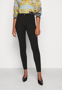 Versace Jeans Couture - Pantalones - nero - 0