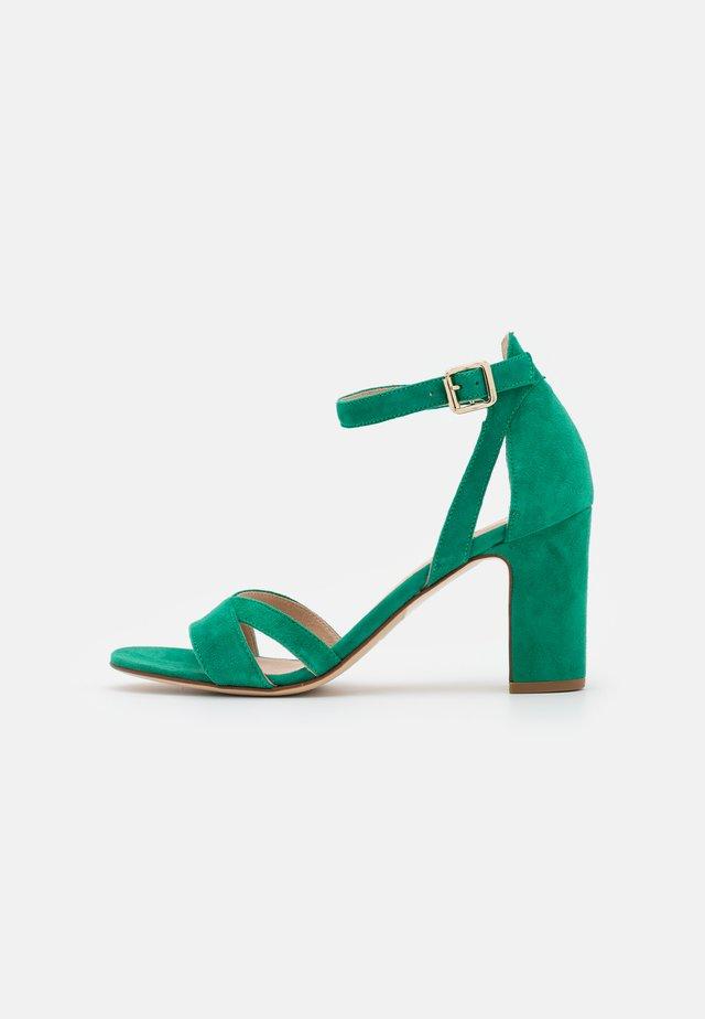 ANOTINA - Sandalen - vert