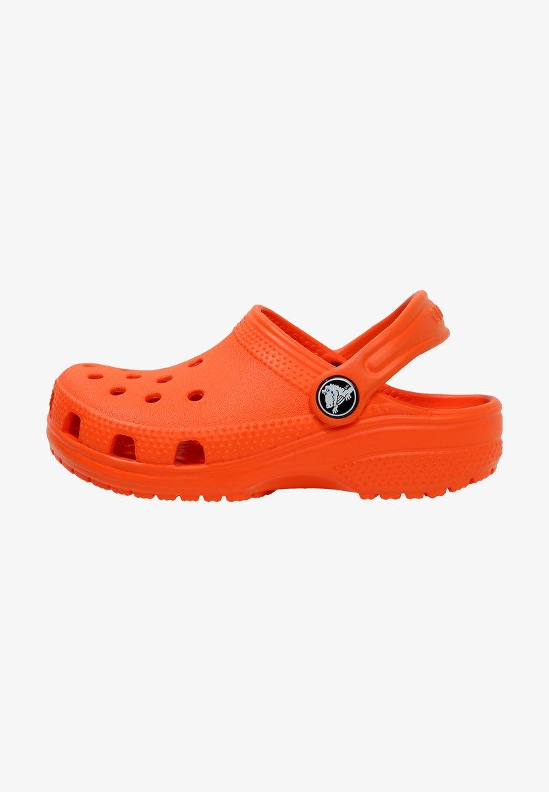 Crocs - CLASSIC - Pool slides - angerine