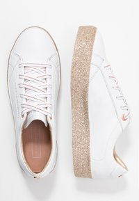 Tommy Hilfiger - GLITTER FOXING DRESS SNEAKER - Trainers - white/gold - 3
